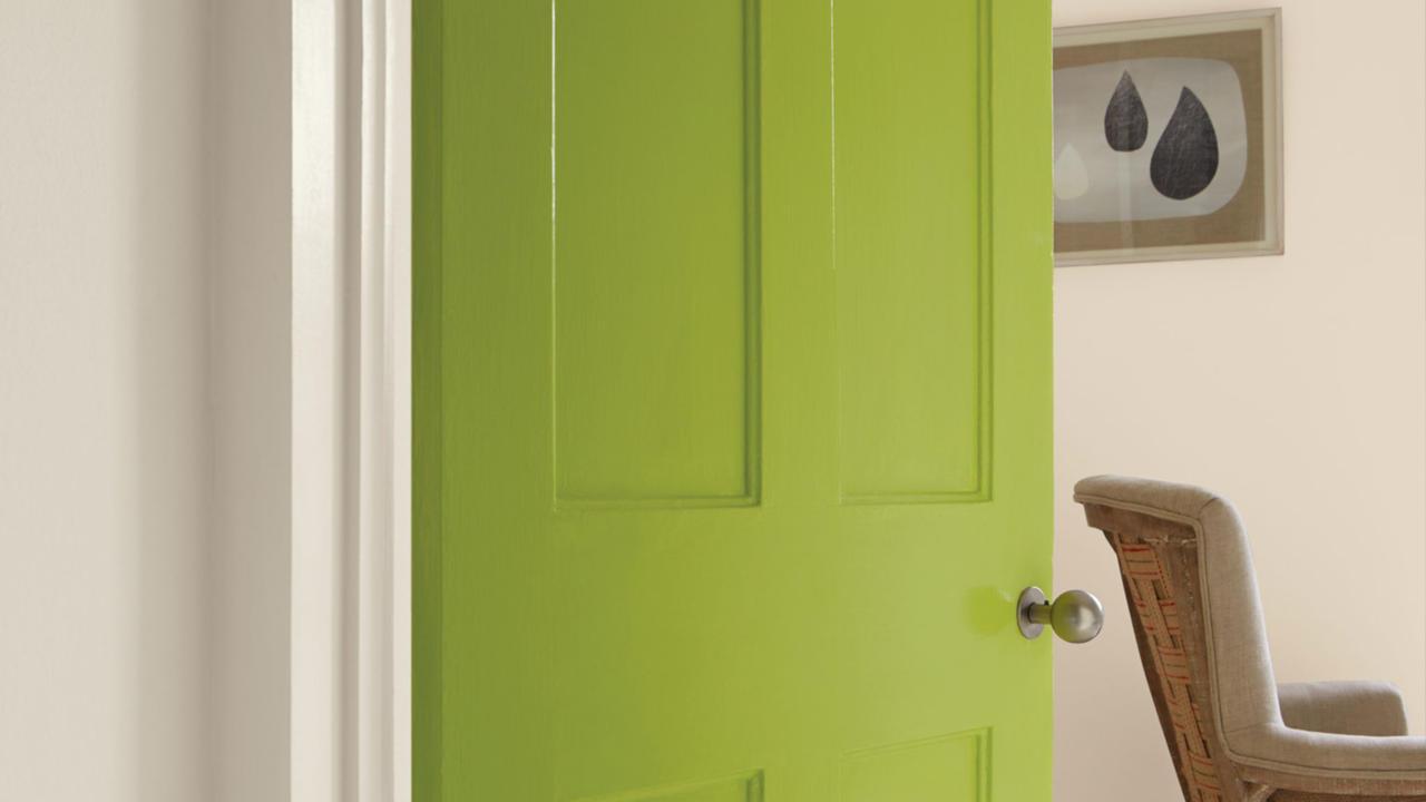 Comment peindre une porte en bois - Comment peindre une porte ...